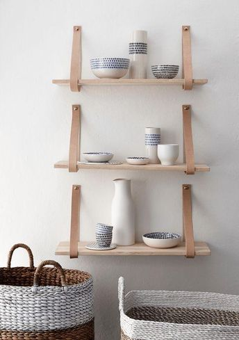 wandplank-met-leren-band---naturel---small---hubsch[1].jpg